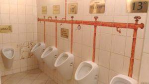Úsměv zde vyčarují dokonce i záchody...